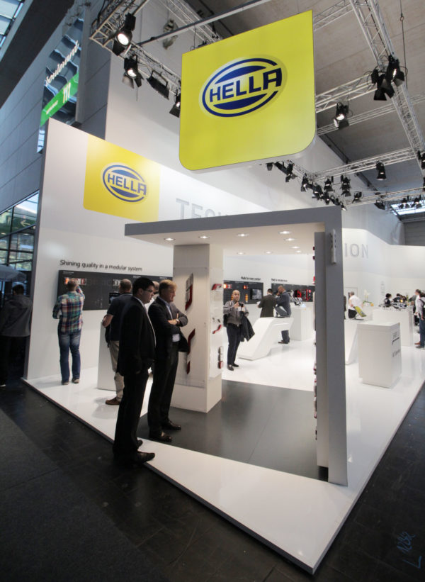 Hüppmeier Marketing und Design GmbH - Referenz - Messedesign - Hella IAA 2016 - 4