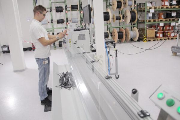 Hüppmeier Marketing und Design GmbH - Referenz - Fotografie - Industriefotografie - Müller Elektronik 07